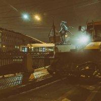 Трактор - король Питерских дорог :: Майя Жинка