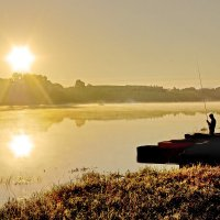 Рыбак на Сухоне :: Валерий Талашов