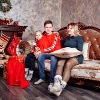 Юля и её семья :: Константин Воронов