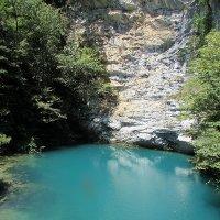Голубое озеро. Абхазия. :: Валюша Черкасова