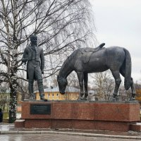 Памятник Батюшкову. Вологда. :: Юрий Шувалов