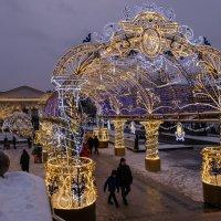 Новогодняя Москва. Манежная площадь (08.01.2019) :: Надежда Лаптева