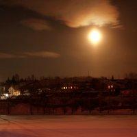 При свете красной луны... :: Нэля Лысенко