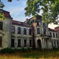 Никто тут больше не живёт! :: Антоха Л