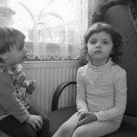 Старшая сестра. :: Лариса Корсакова