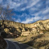 Шио- Мгвимский монастырь :: Лариса Батурова