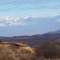 перевал Гомбори, вид на Большой Кавказский хребет :: Лариса Батурова
