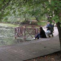 У старинного пруда :: ZNatasha -