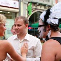 Жених,невеста и индеец.. :: Лара Лаби