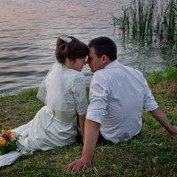 на берегу озера :: Натали Никулина