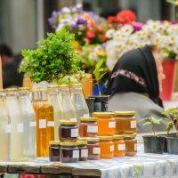 Продавщица мёда в Загребе :: Александра Кокоза