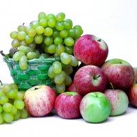 Яблоки и виноград :: Денис Матвеев