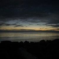Закат. Охотское моря, остров Итуруп :: Leonid Zagorodnikov