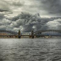 Переделка. После критики. Мост Петра Великого перед грозой. :: Владимир Колесников