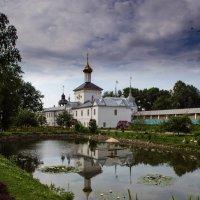 монастырь под Ярославлем :: Олег )))))))))