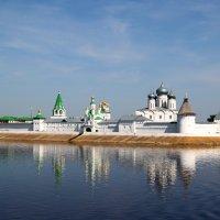 Свято-Троицкий Макарьевский Желтоводский женский монастырь :: Alexandr Shemetov