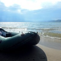 лодка на берегу :: Роман Шплеханзидович