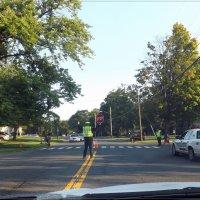 Дети идут в школу, всем стоять! :: Яков Геллер