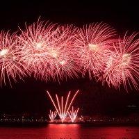 Ежегодный фестиваль фейерверков в Костроме :: Нина Рубан