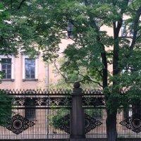 За сенью кованых оград В венецианском лёгком стиле :: Люба