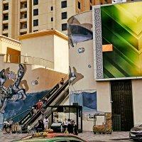 Эскалатор на улице Дубая :: Alex