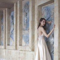 Girl and murals :: Михаил Крюков