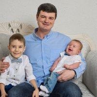 Сергей и сыновья :: Анна