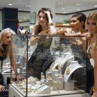 Девушки любят бриллианты :: Борис Соловьев
