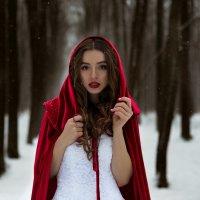 Девушка в плаще :: мария кривчук