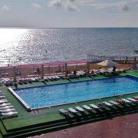 Море и бассейн :: Елена (ЛенаРа)