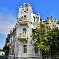 Здание на Театральной площади в Евпатории :: Елена (ЛенаРа)