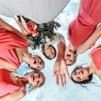 Подружки и невеста :: Сергей Селевич