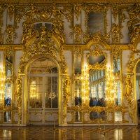 Тронный зал :: Андрей Резюкин