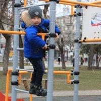 В  детском парке :: Валентин Семчишин