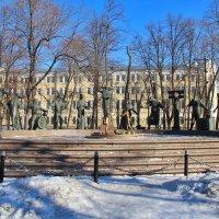 Памятник - Дети - жертвы пороков взрослых. :: Yuriy V