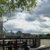 Вид на Темзу  со смотровой площадки крепости  Тауэр :: Гала