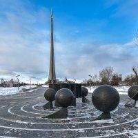 Монумент :: юрий поляков