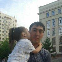 Слабое место отца – его маленькая принцесса :: Мади Кадырханов