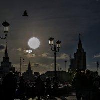 Отсюда для многих начинается Москва... :: Ирина Шарапова