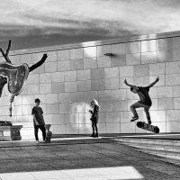 Прыжки на фоне текущего времени :: Виталий Авакян