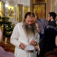 Монастырь. Праздничный день. :: Геннадий Александрович