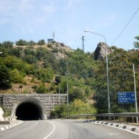 Тунель, дорога в Ялту. :: Леонид Дудко