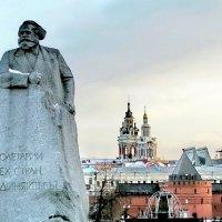 Монумент :: Сергей Беличев