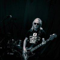 Бас-гитара :: Виктор Фельдшеров