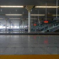 Одна из станций по пути в Пекин :: Юрий Поляков