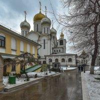 Монастырский Дворик :: юрий поляков