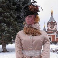 Кукла, не похожая на все остальные... Анна Каренина среди масленичных кукол в Ярославле :: Николай Белавин