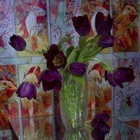 Букет тюльпанов утром на столе... Словно краски в палитре моей акварели… :: Галина Стрельченя