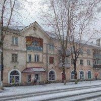 Мартовский снегопад. Проездом в Фрязино :: Александр Шмалёв