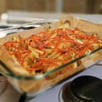запечённый картофель с болгарским перцем посыпанный чесноком и розмарином :: Дея Ши